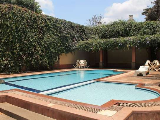 4 bedroom townhouse for rent in Muthaiga Area image 9