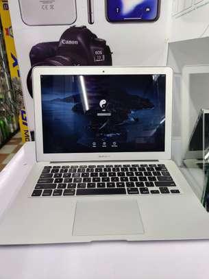"Macbook Air 13"" 2015 model core i7 256ssd hard disk 8gb ram 2.2Ghz image 3"