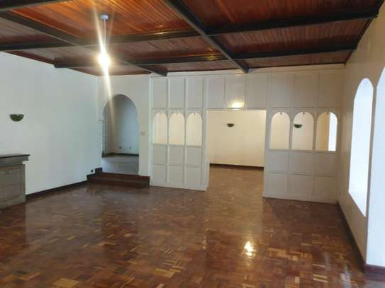 3 bedroom house for rent in Muthaiga Area image 7