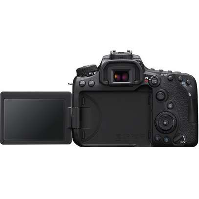 Canon EOS 90D DSLR Camera with 18-135mm Lens image 5