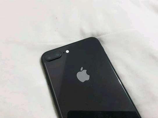 Apple IPhone 8 Plus : 256 Gigabytes : Black : 5 Phone Cases image 3