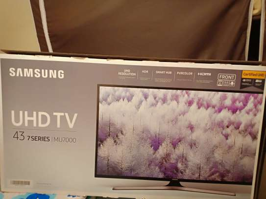 Samsung smart TV 43 inches