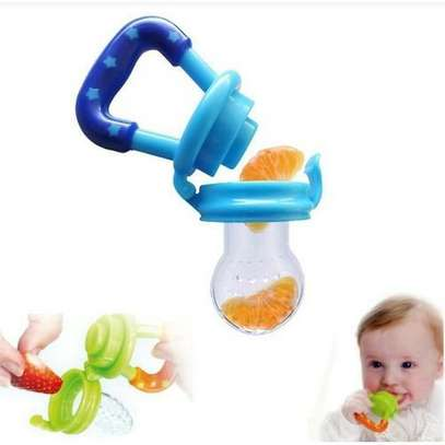 Mom Easy Baby fresh food pacifier / fruit feeder / baby teether - pacifier(random colour) image 3
