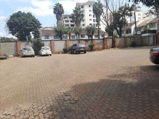 Lovely 4 Bedrooms + Dsq Apartments In Westlands image 9