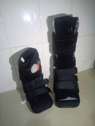 Fracture boots image 2