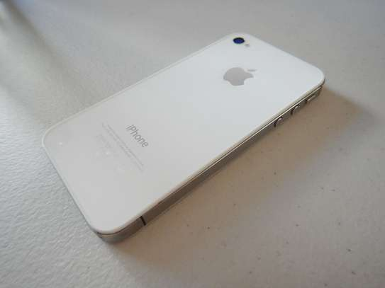 iPhone 4S WHITE Edition