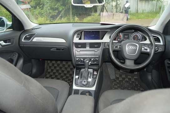 Audi A4 2.0T Premium Quattro Automatic image 10
