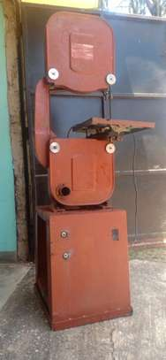 Band saw meat cutter