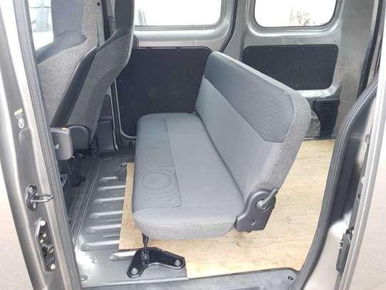 Nissan Vanette image 6