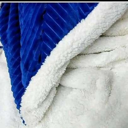Super warm fleece blankets image 1