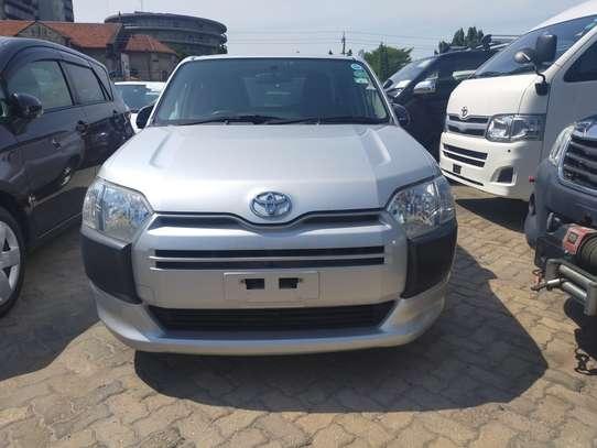 Toyota Succeed image 4