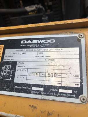 Daewoo Folklift image 5
