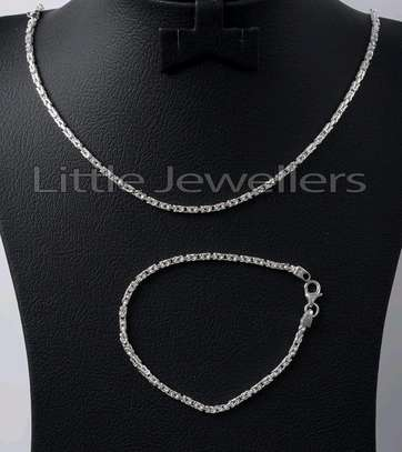Male chain and bracelet image 1