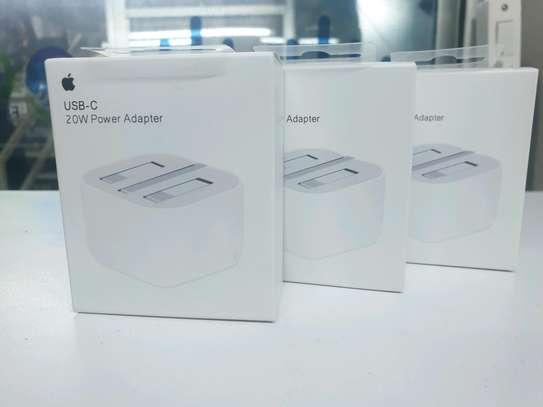 Apple USB-C 20W power adapter image 3