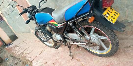 Honda CB 125 image 4