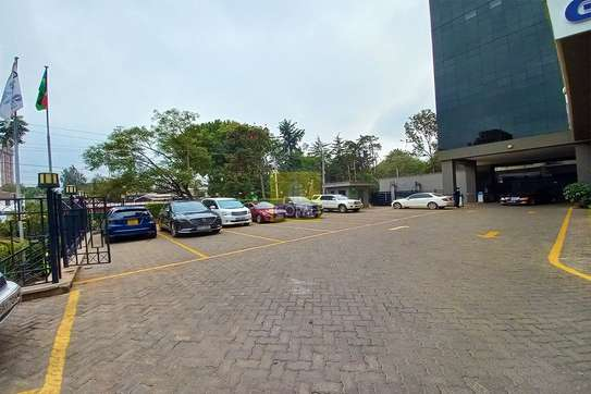 7200 ft² office for rent in Kilimani image 3