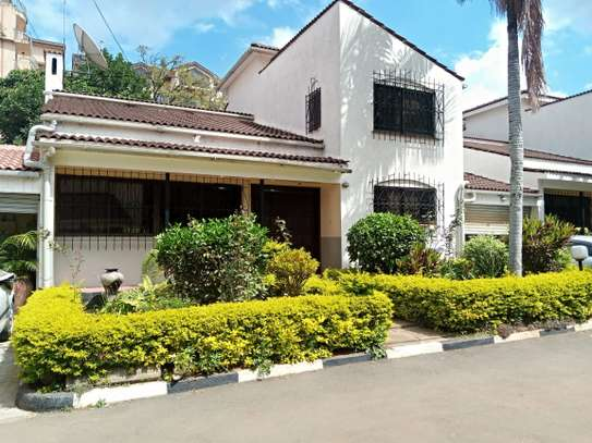 4 bedroom townhouse for rent in Kilimani image 8