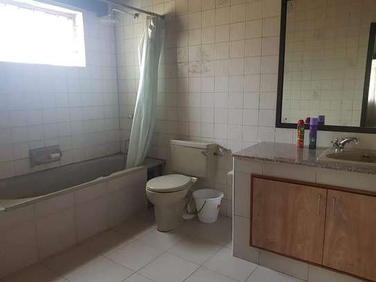 4 bedroom house for rent in Old Muthaiga image 7