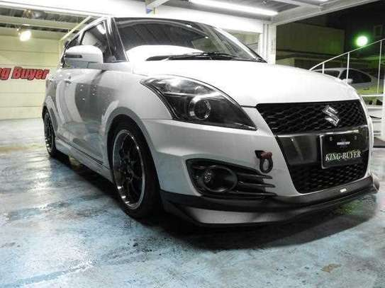 Suzuki Swift 1.6 Sports image 1