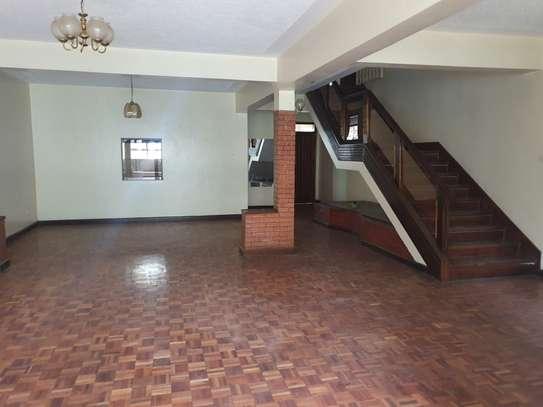 5 bedroom townhouse for rent in Westlands Area image 6