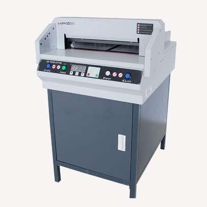 DC-8450VG electrical digital paper cutting machine image 1