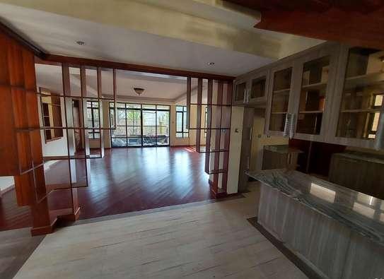 5 bedroom villa for rent in Lavington image 18