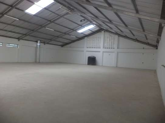 10000 ft² warehouse for rent in Juja image 11