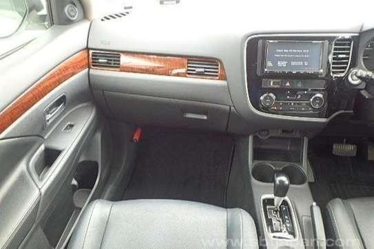 Mitsubishi Outlander 2.4 image 11