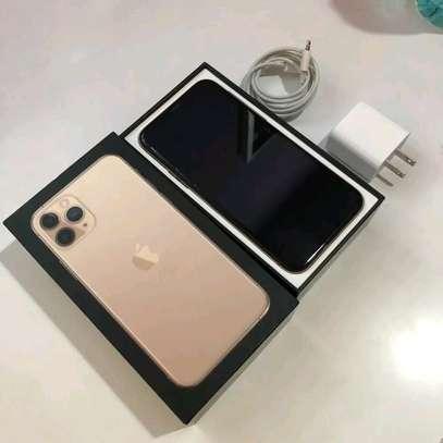 Apple Iphone 11 Pro : 512 Gigabytes Gold image 3