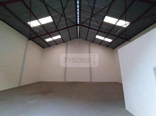 5400 ft² warehouse for rent in Embakasi Estate image 3