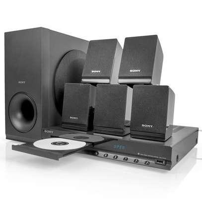 Sony DAV-TZ140 DVD Home Cinema System image 1