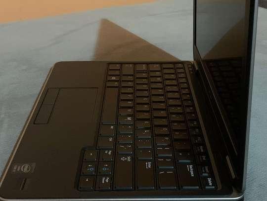 Dell Latitude E7240 image 4