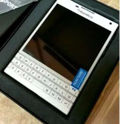 Blackberry Mobile Phones for Sale in Kenya | PigiaMe