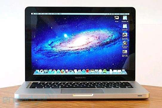 Macbook pro 2012 intel core i5 4gb ram ,500gb hdd. image 1
