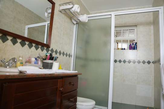 White Pearl Fully furnished & Serviced Apartments image 12