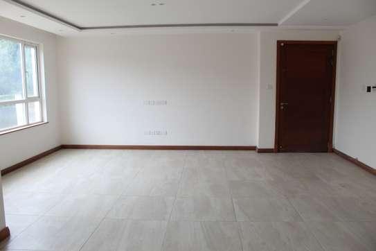 3 bedroom apartment for rent in Parklands image 7
