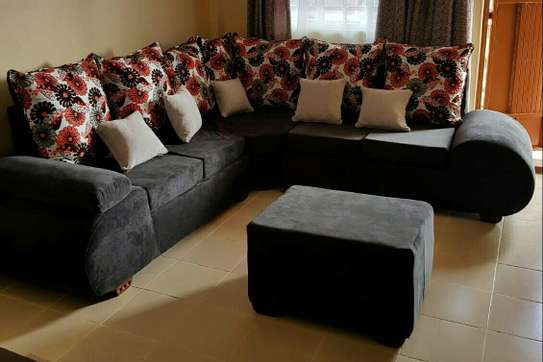 Quality 5 seater Lsofas with modern fabrics image 2