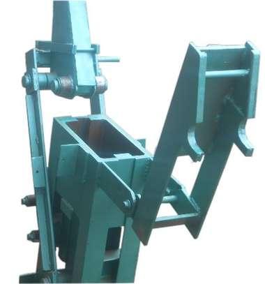 Interlocking Machine image 2