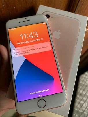 Apple Iphone 7 Gold ♧ 256 Gigabytes image 3