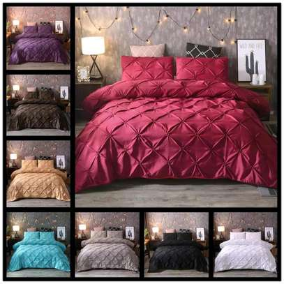 Warm and classy duvets image 2