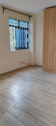 Furnished 3 bedroom apartment for rent in Riara Road image 4