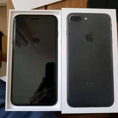 Apple iPhone 7 Plus (32GB) image 2