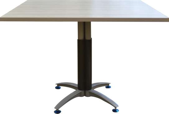 Cosmo Square conference table image 2