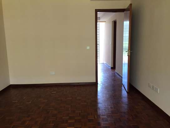 4 bedroom townhouse for rent in Kitisuru image 15