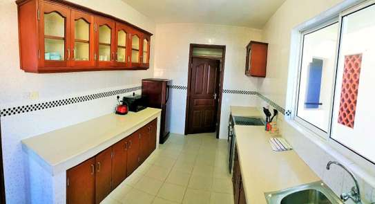 2br fully furnished apartment for rent in Nyali – Royal apartment. Ar50 image 6
