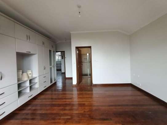 4 bedroom townhouse for rent in Runda image 17