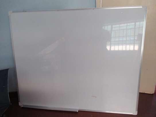 wall mount whiteboard 4'*4'