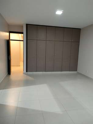 4 bedroom apartment for rent in Riverside image 2