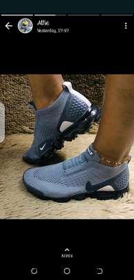Women shoe image 1