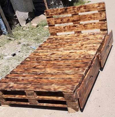 4by6 rustic pallet bed/rustic furniture/rustic beds image 5